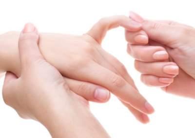 Медики рассказали о диагностике заболеваний по рукам