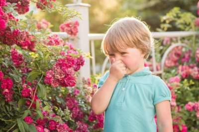Медики рассказали, как защитить ребенка от аллергии